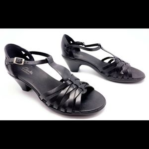 Clarks Shoes - Clarks Bendables 8M Black T-Strap Sandals Heels
